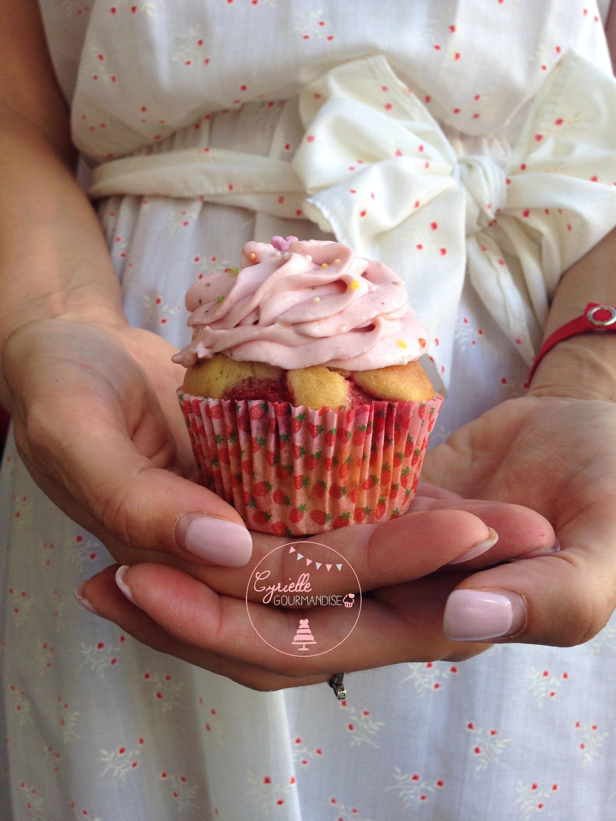 Cupcakes fraises 6 robe vintage
