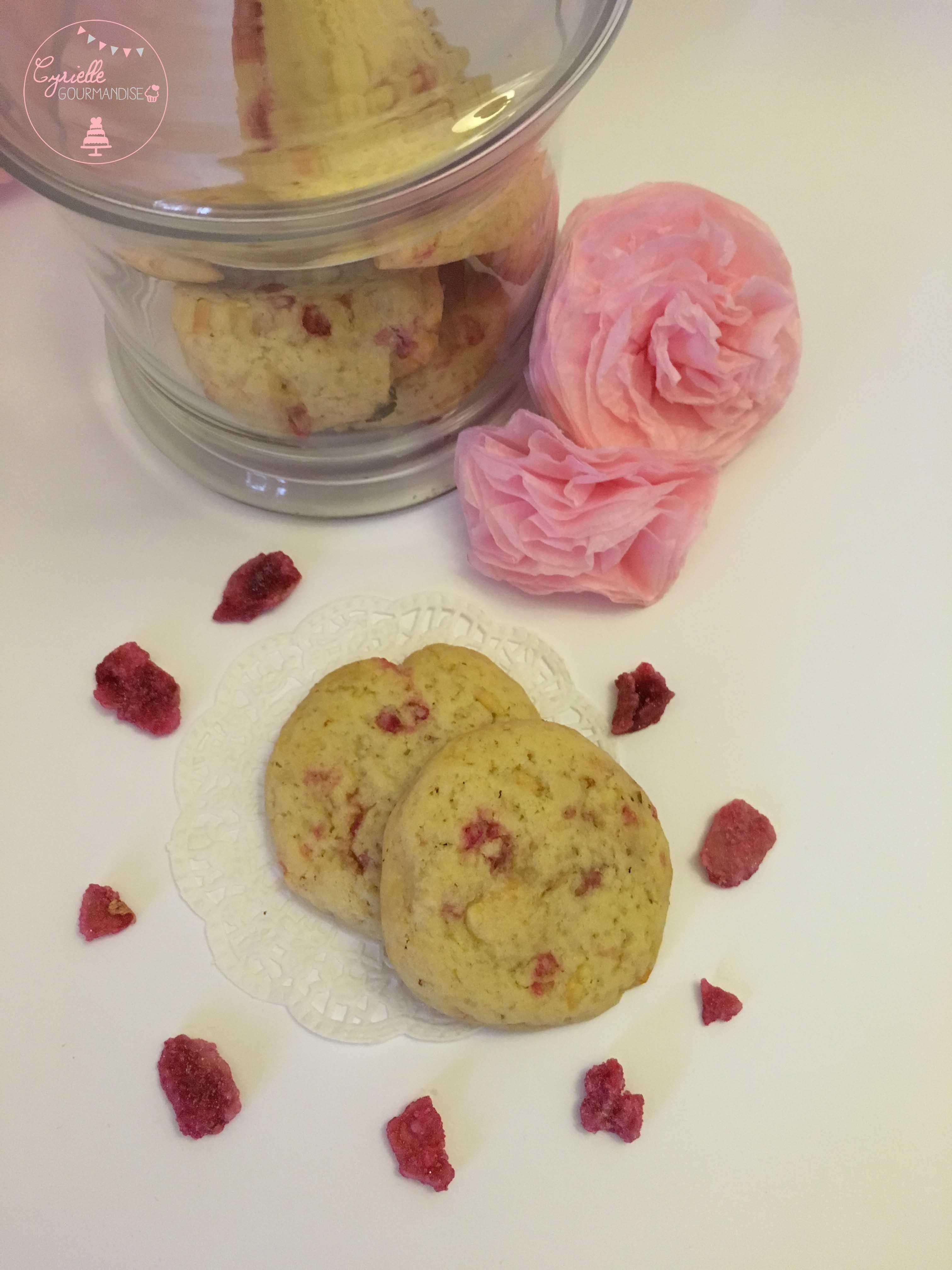 Cookies chocolat blanc rose dessus