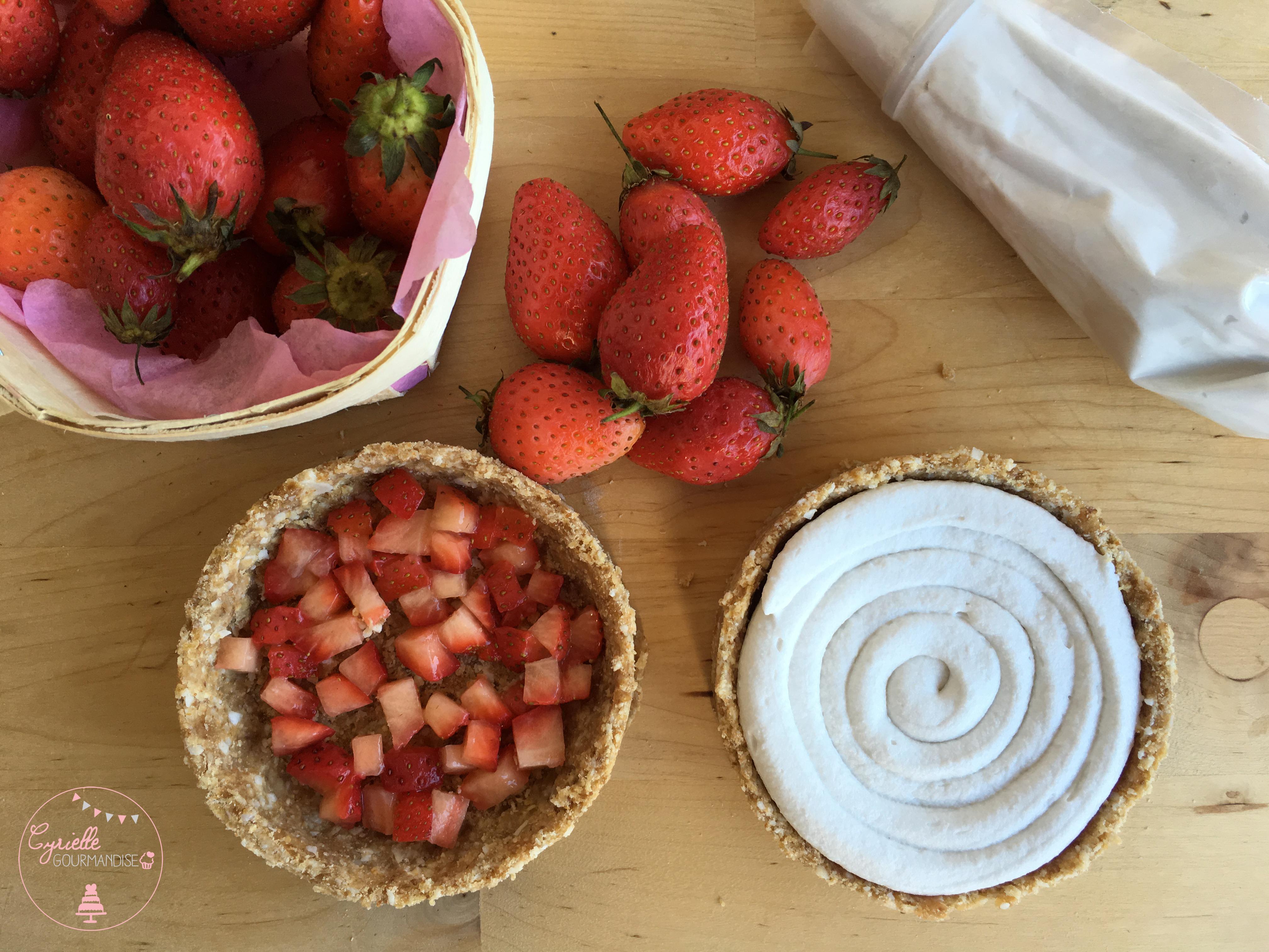 Tarte fraises crue - montage