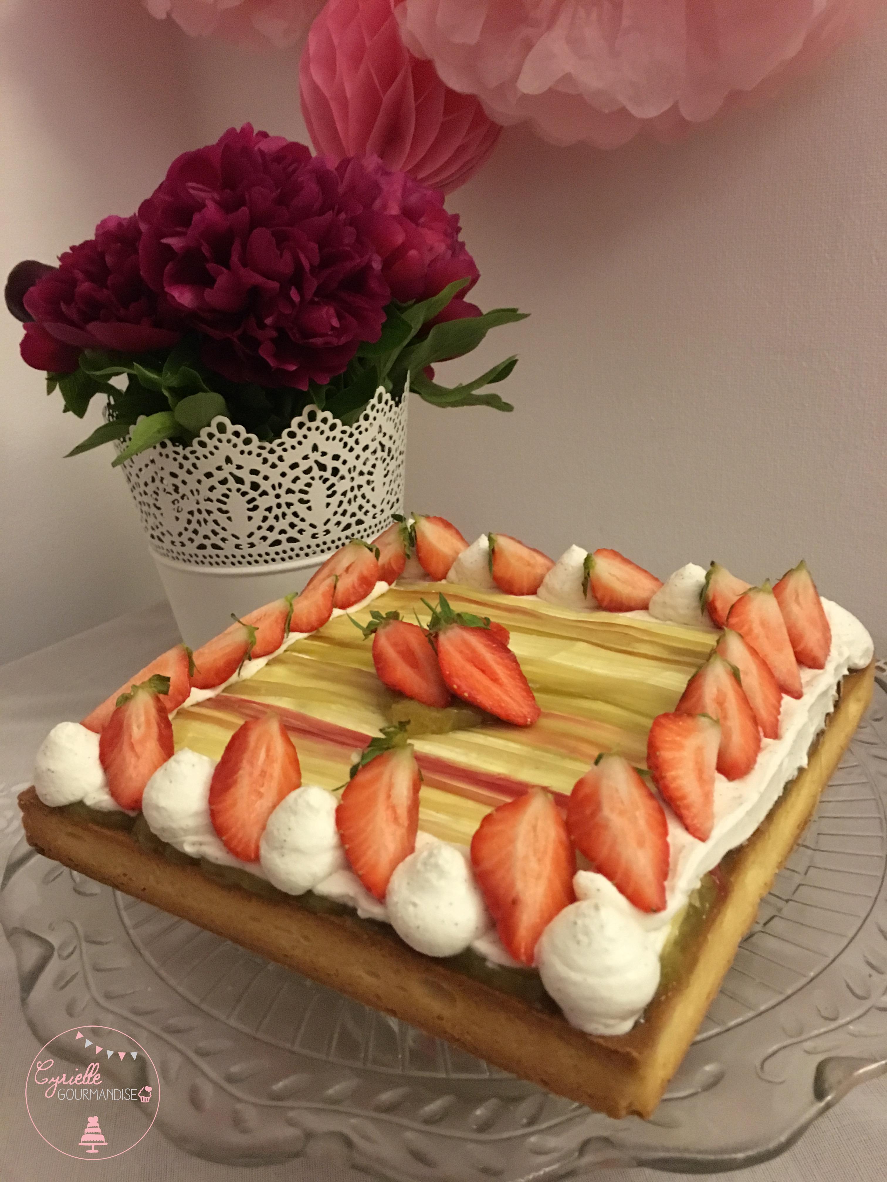 Tarte rhubarbe vanille fraises 2
