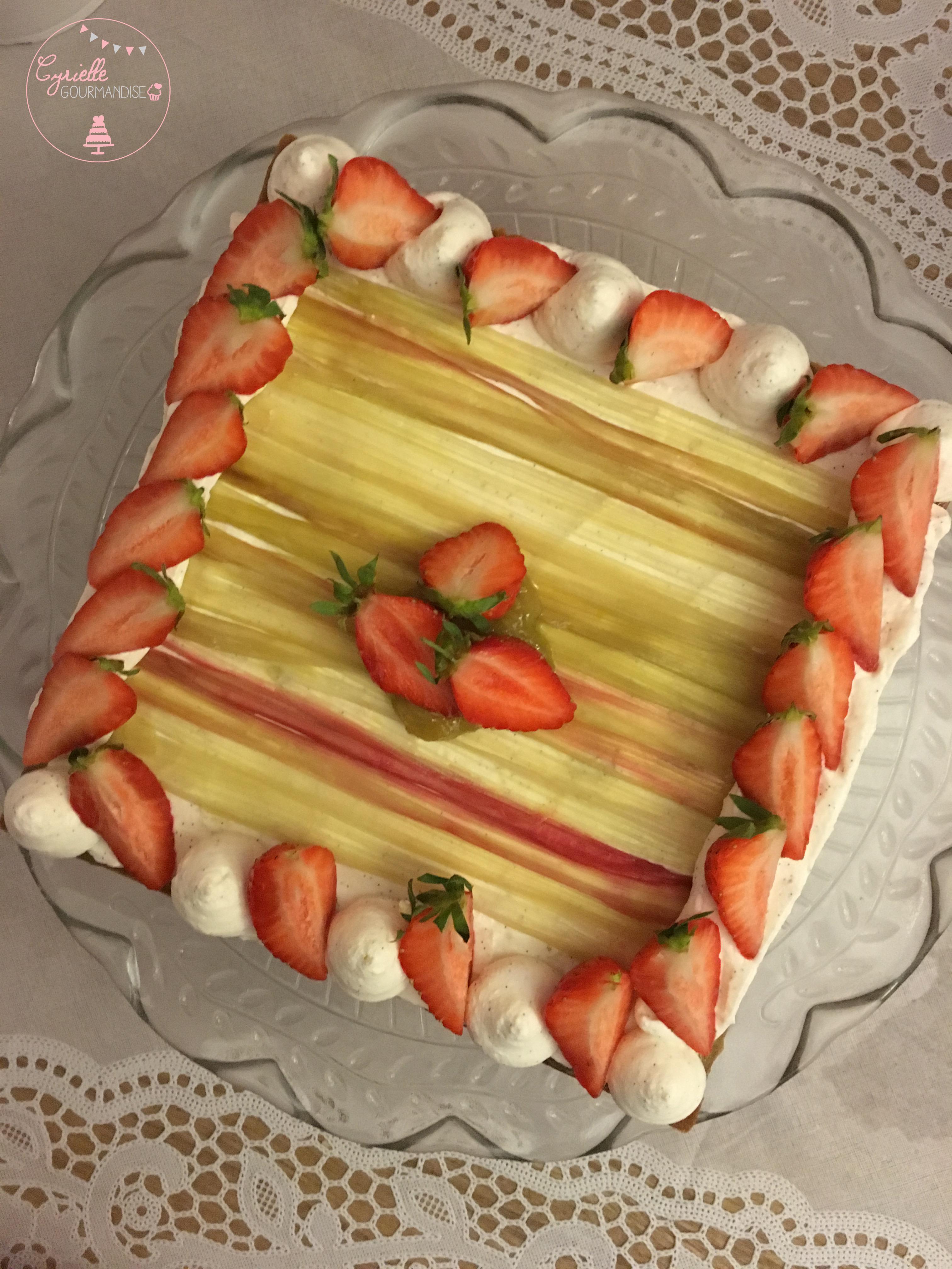 Tarte rhubarbe vanille fraises 3