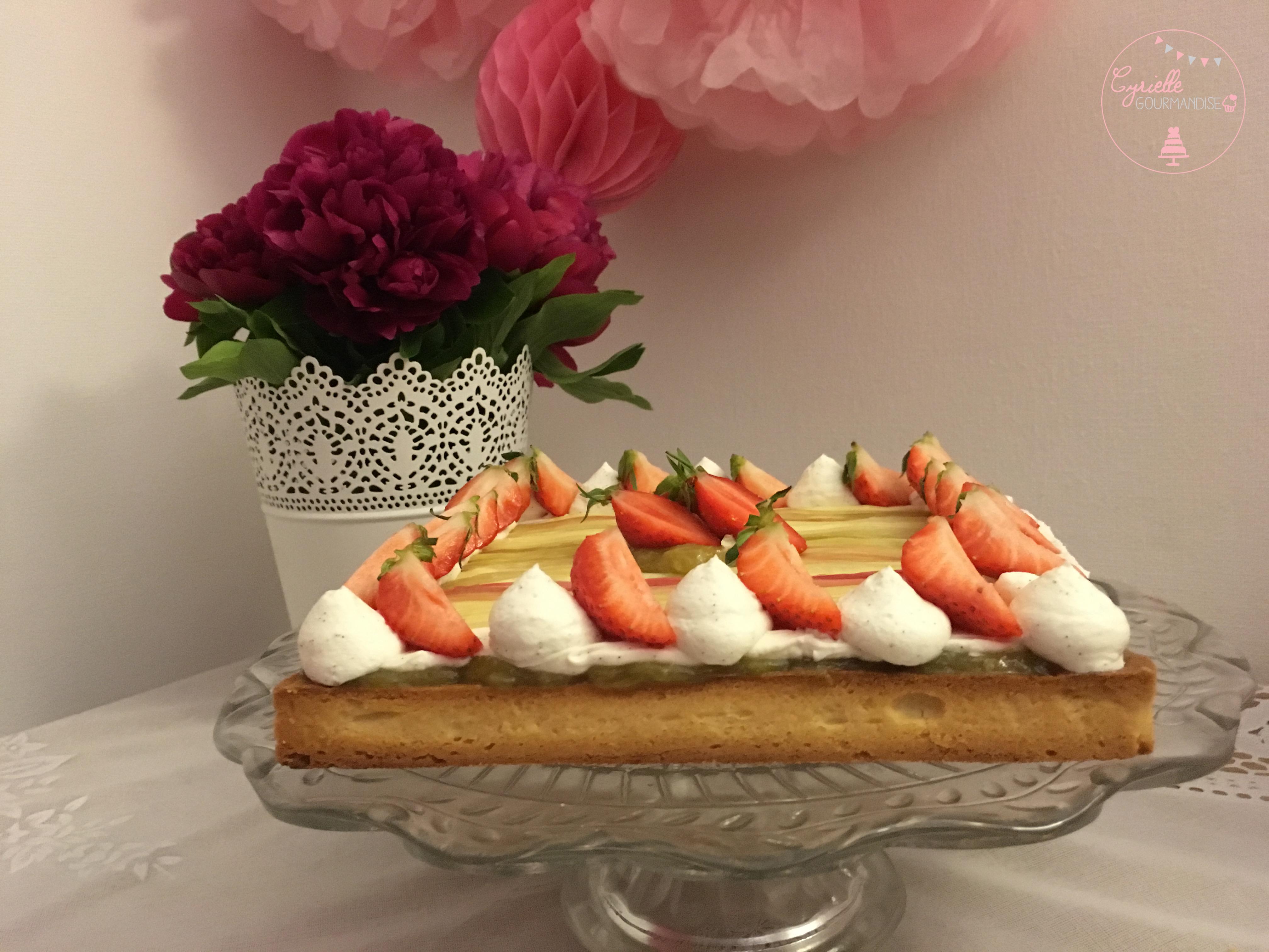Tarte rhubarbe vanille fraises 5