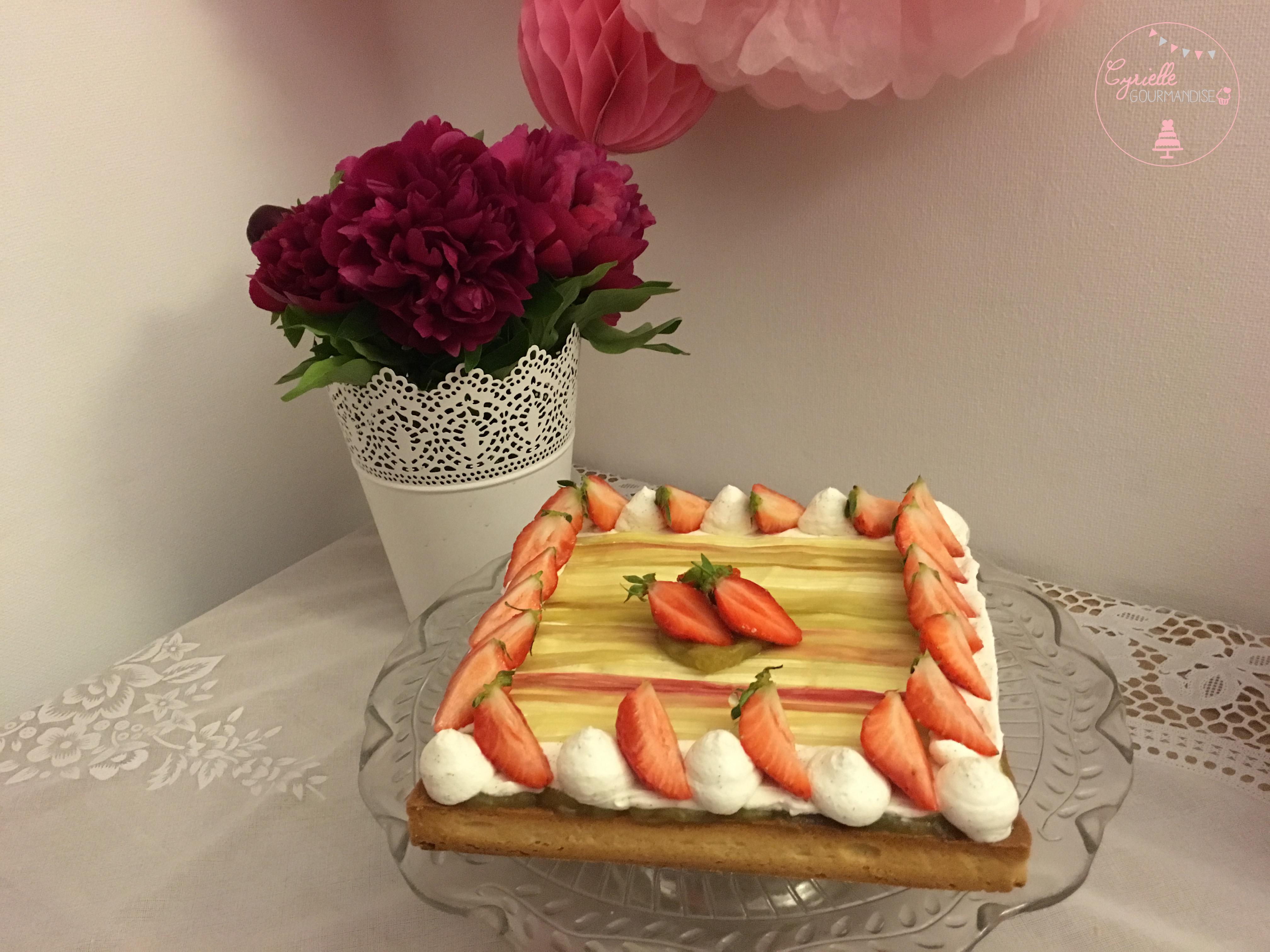 Tarte rhubarbe vanille fraises 6