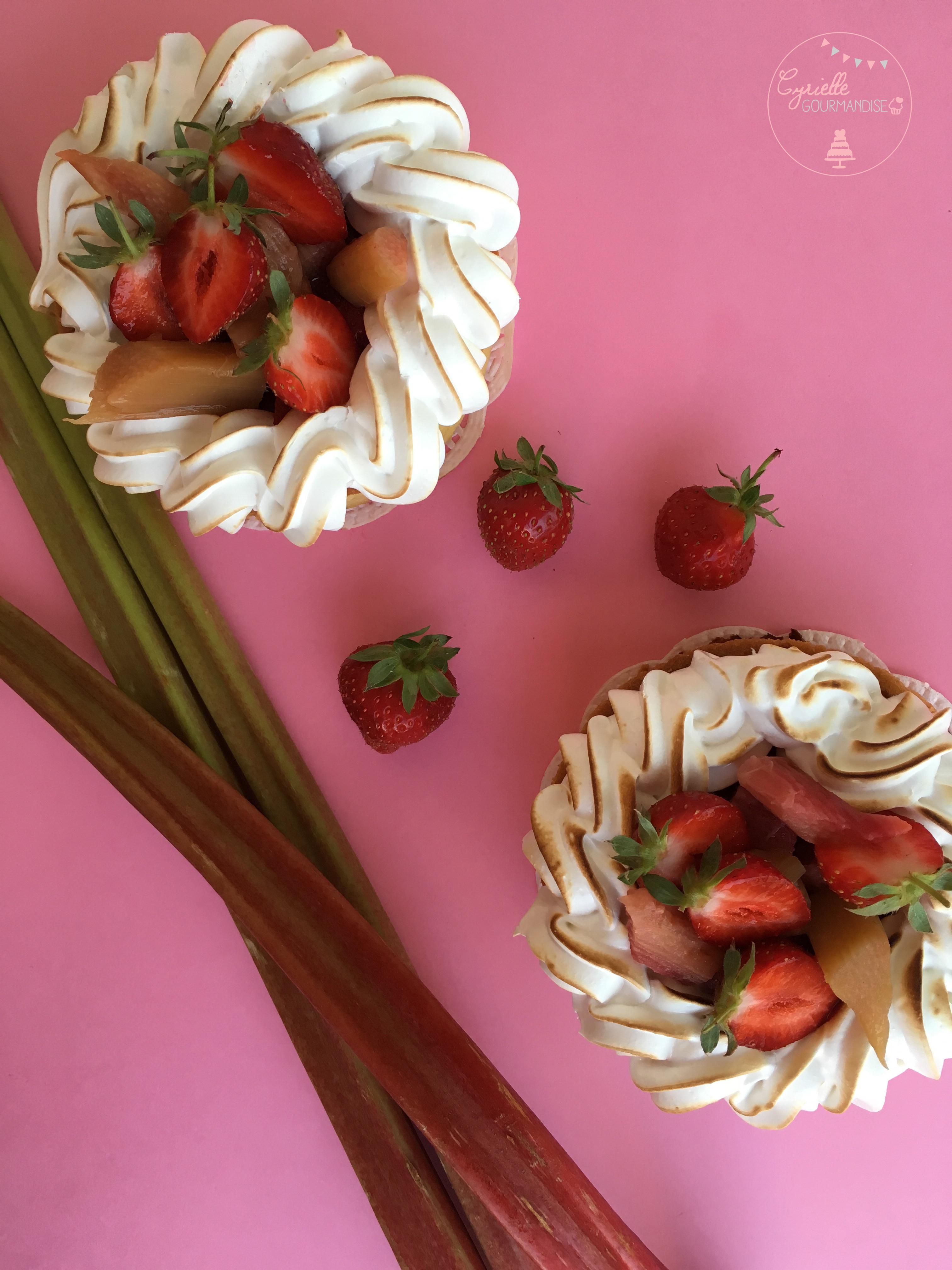 Tarte rhubarbe fraise meringuée 2