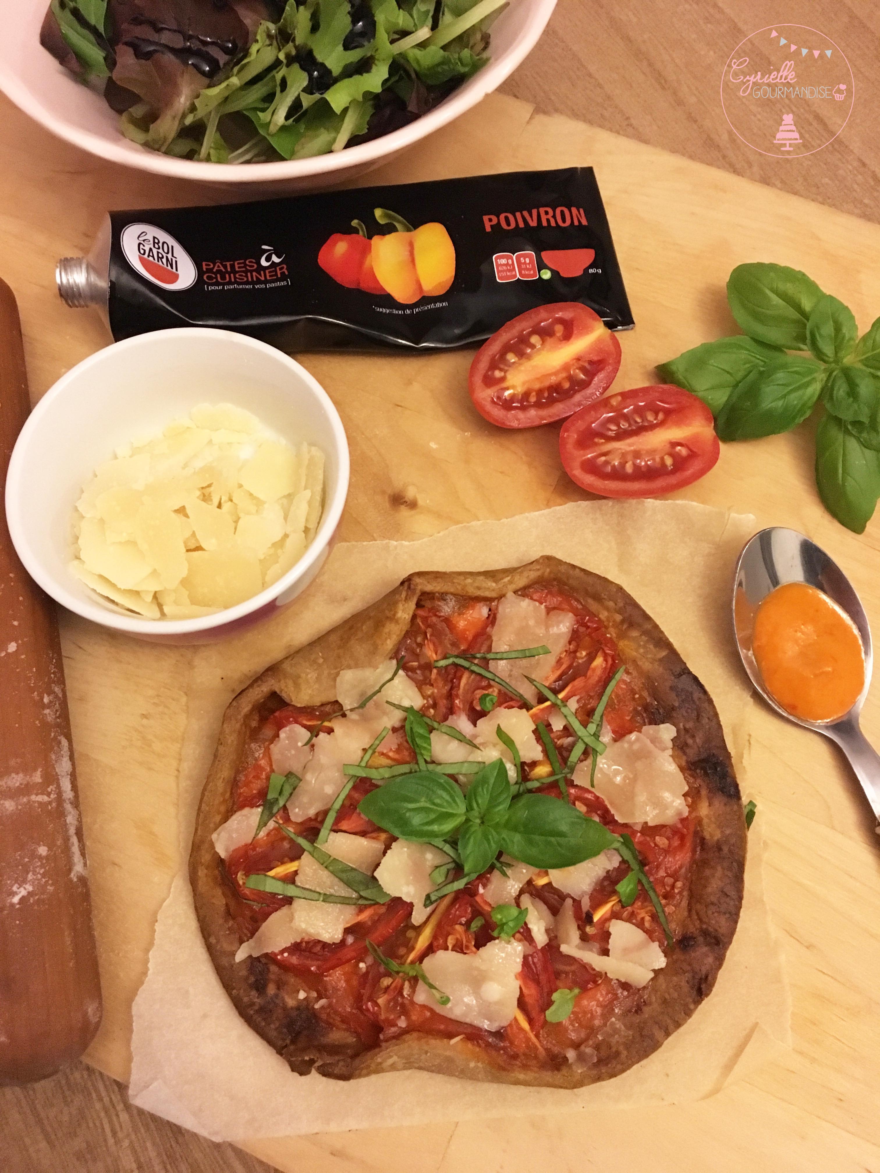 tarte-fine-tomates-poivrons-parmesan-le-bol-garni