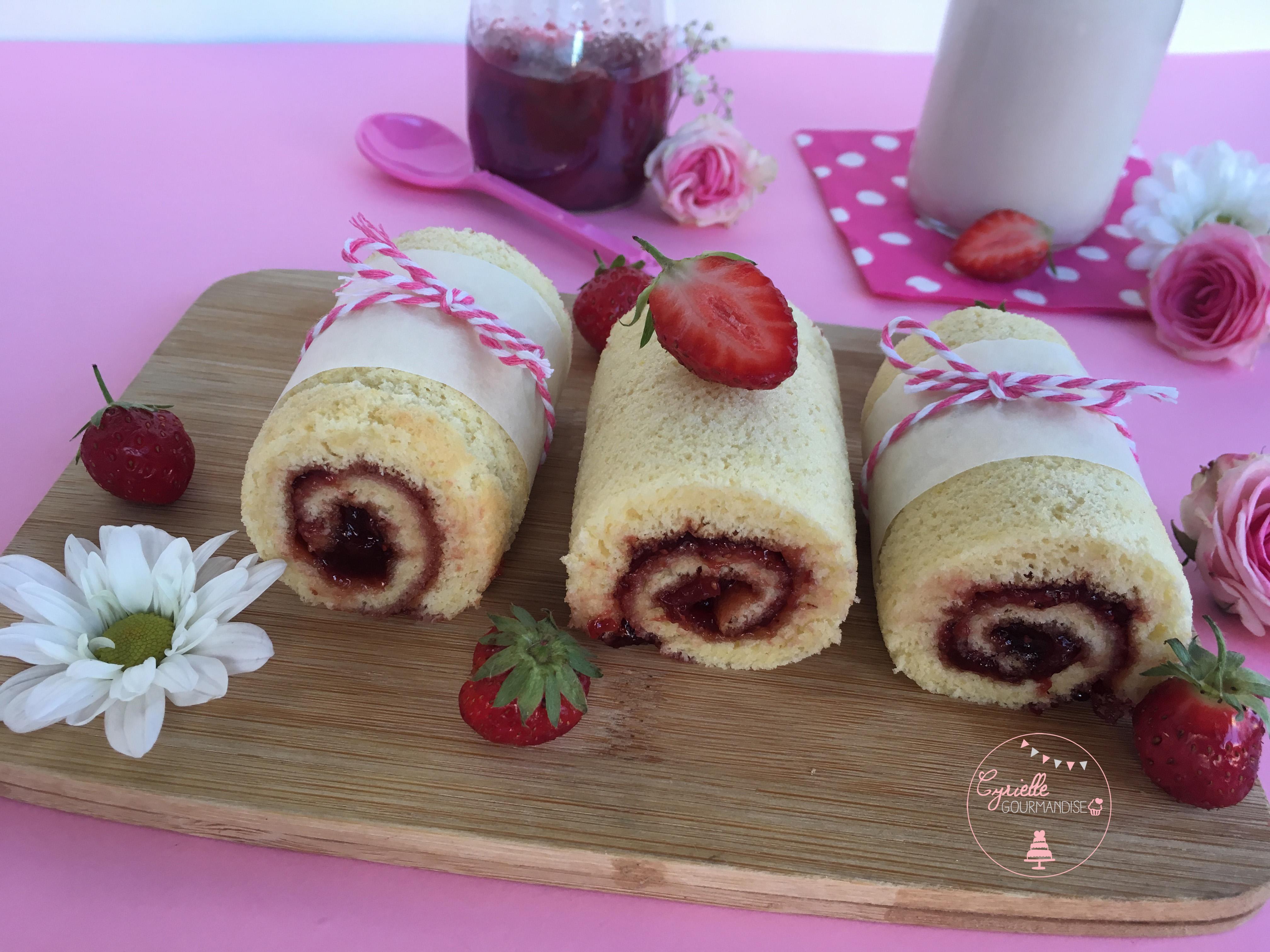 Gâteau roulé fraise 4