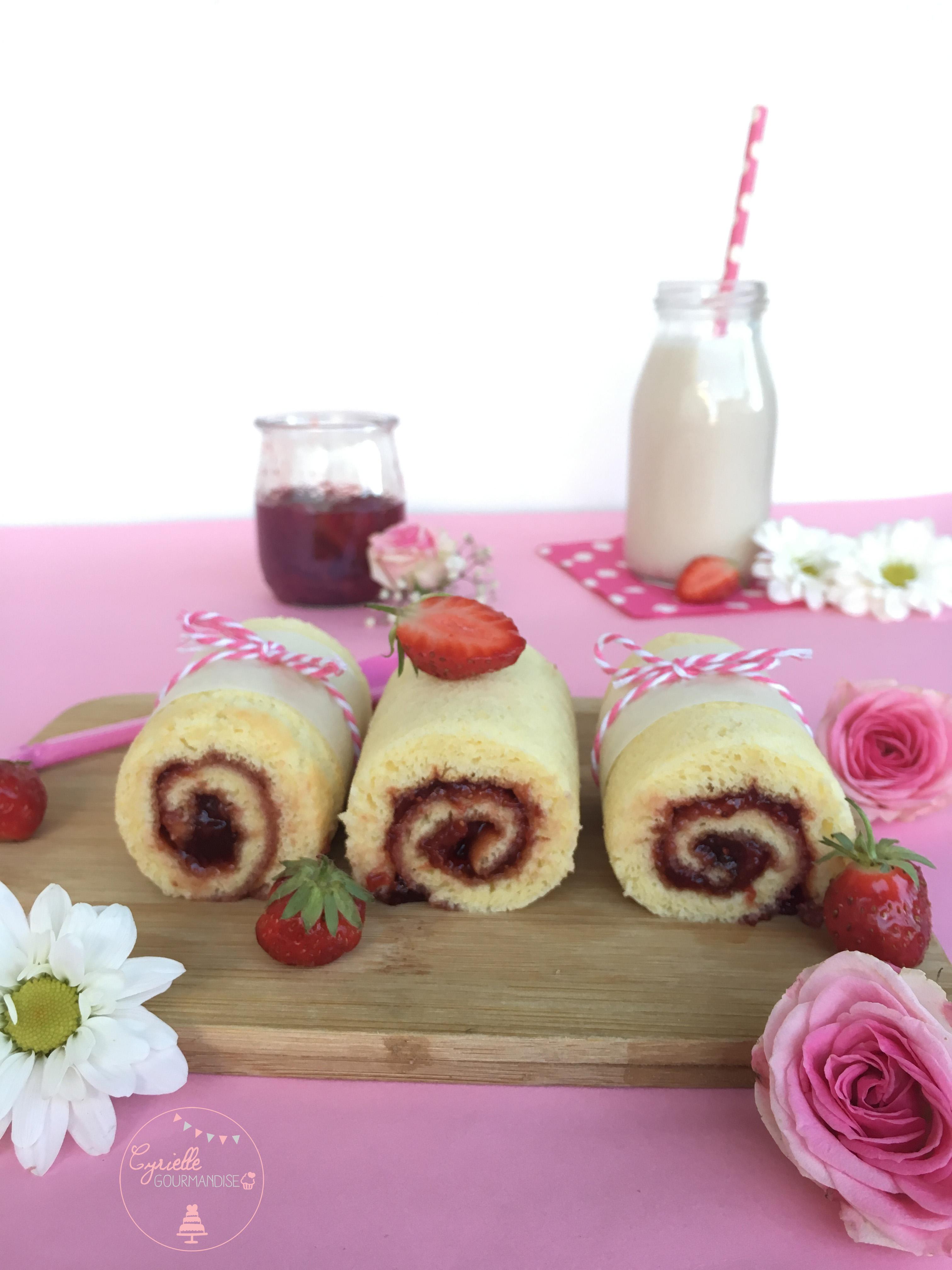 Gâteau roulé fraise