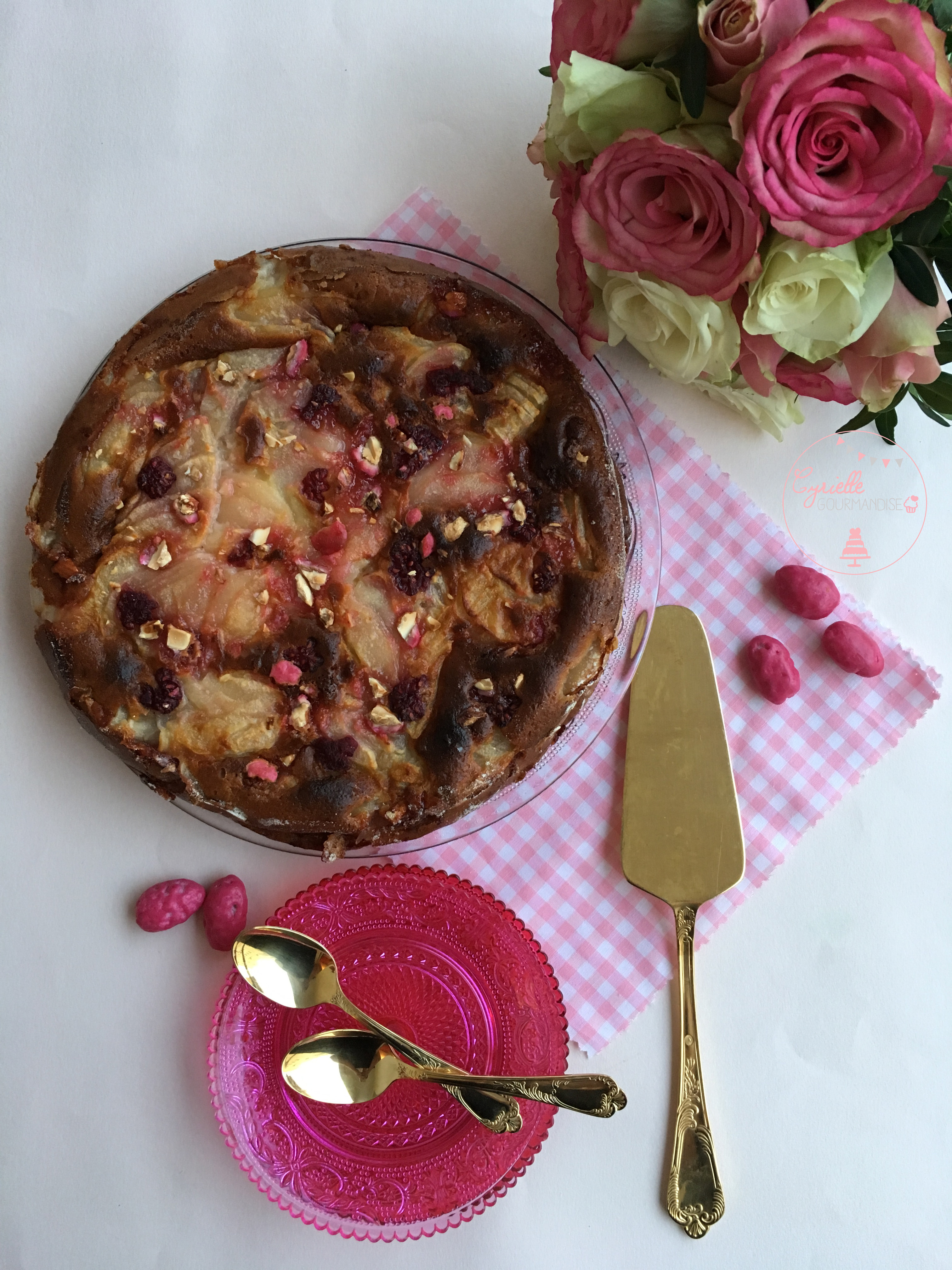 Gâteau invisible Poire Framboise Praline